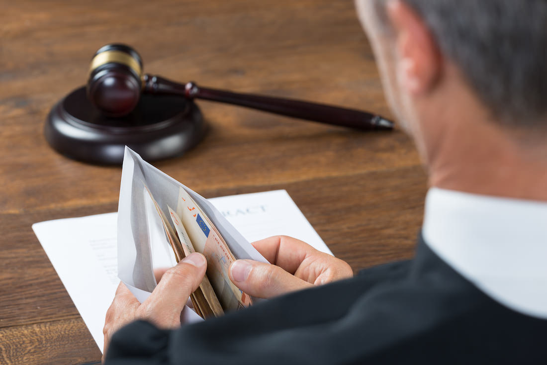 Quais leis garantem o direito